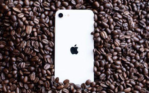 新iPhone SE评测:一个把最强芯片卖到3000的故事-搞机零距离