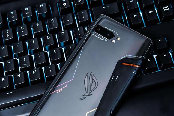 华硕ROG游戏手机3入网:骁龙865+最高16GB内存+6000mAh超大容量电池