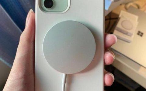 苹果MagSafe充电器需要单独购买充电头吗?吸力怎么样?